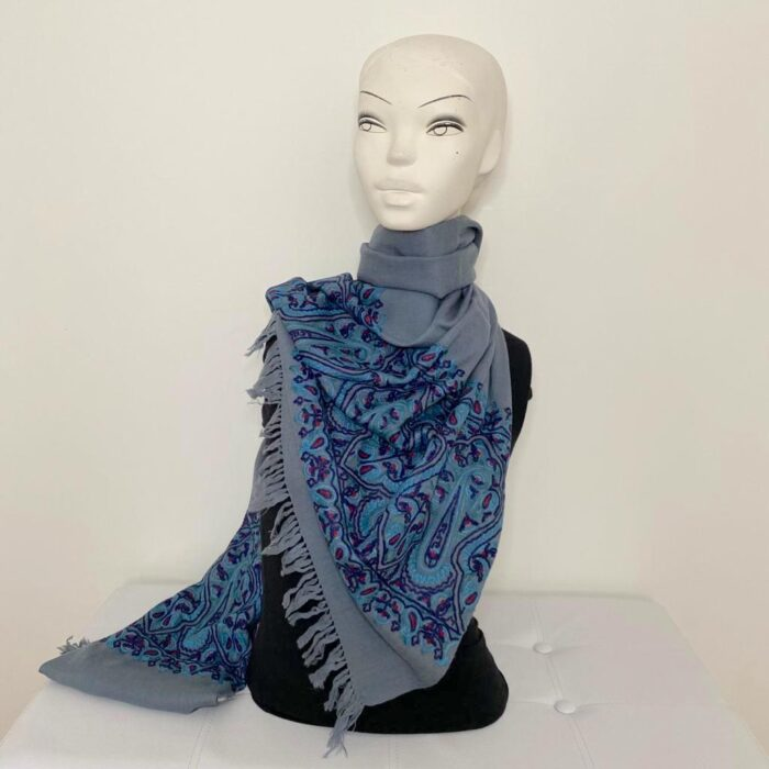 Caeso wool shawl