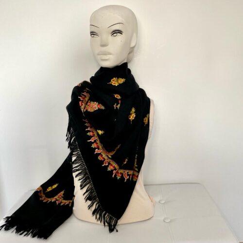Butah wool shawl